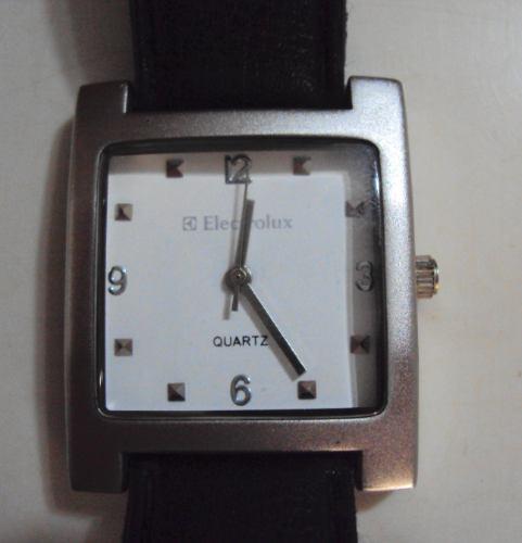 Relógio Electrolux Retangular - Quartz - Miyota 35x38mm