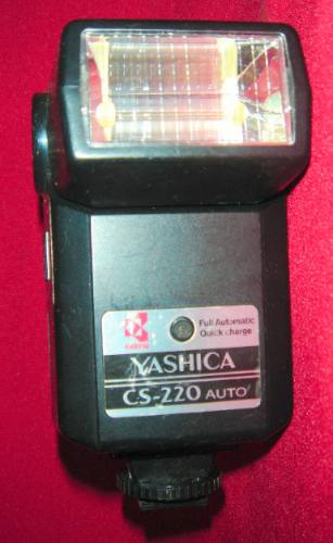 Flash Yashica, Modelo Cs-220 Auto
