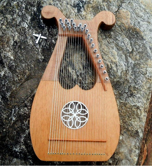 Lira 23 Cordas Em Nylon - Harpa