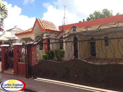 Casa De Venta En Higuey, República Dominicana Cv-045