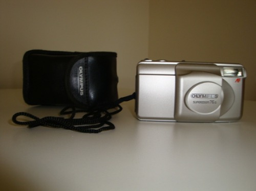 Câmera 35mm Olympus Superzoom 76g (em Estado De Nova!!!)