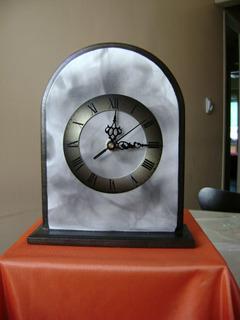 Reloj Peltre Pintado A Mano Base Par Apoyar Decoración Hogar