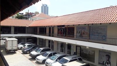 Oficina En Alquiler Plaza Asturiana En Naco
