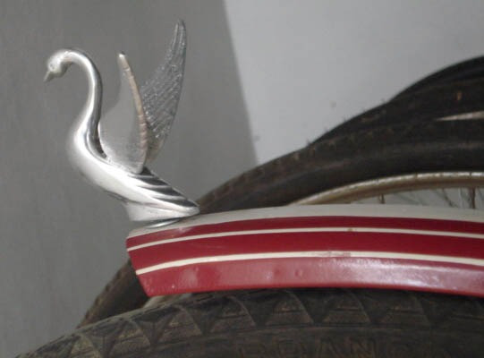 Adorno De Alumínio P/ Bicicleta Antiga - Pássaro Com Asas