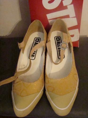 Tenis Sapato All Star 37 Bege Com Desenhos Em Dourado 37