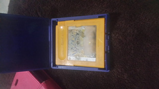 Un Cartucho De Game Boy Edision Pikachiu