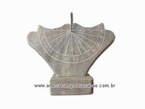 Relógio De Sol (o Antigo Acaz) Em Pedra Sabão