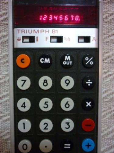 Calculadora Triumph 81 - 1971 -primeira Calculadora Portátil