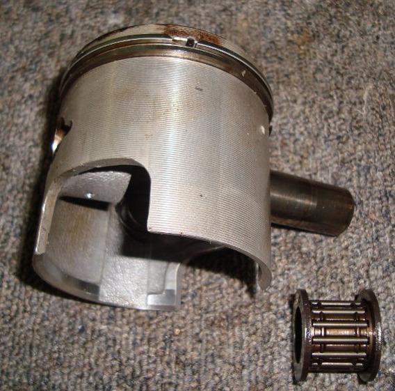 Pistão + Aneis P/ Motor De Popa Suzuki 25/30 Hp
