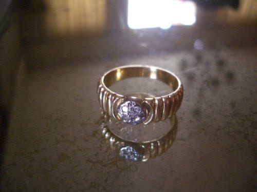 Anel De Ouro Com Diamantes...