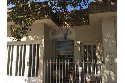 Casa S/lote 13,20 X 11,80 Ideal Para Refaccionar