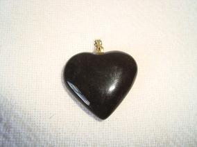 Pingente Coração Pedra Obsidiana Ônix Preto Metal Dourado P3