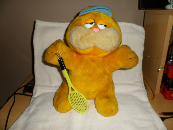 Pelucia Garfield Tenista 28 Cm