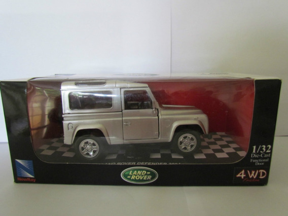 New Ray Land Rover Defender 2004 - Escala 1/32