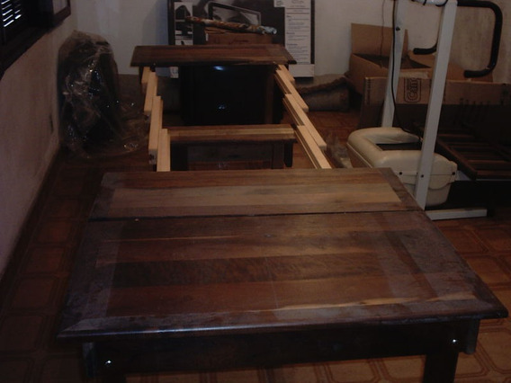 Mesa Elástica Rústica De Madeira Em Imbuia - Bem Cuidada