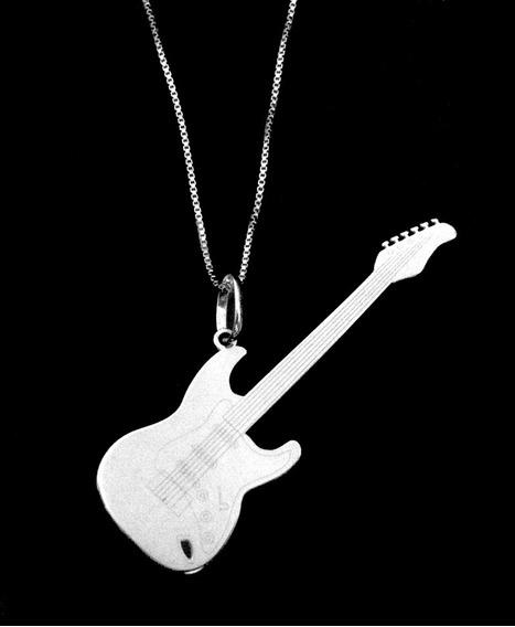 Colar Pingente De Guitarra Em Prata 925 !