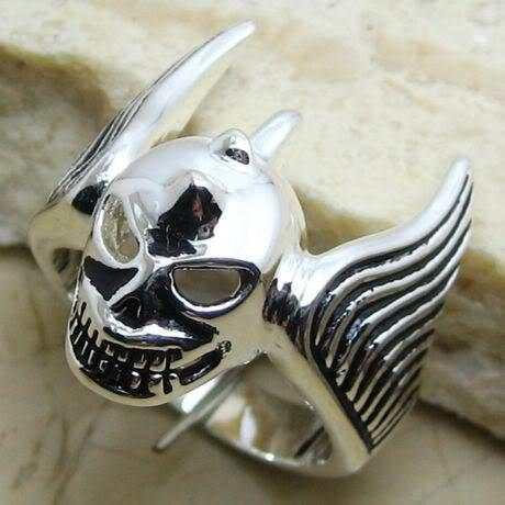Aro 24 - Anel Flying Skull - Crânio Voador