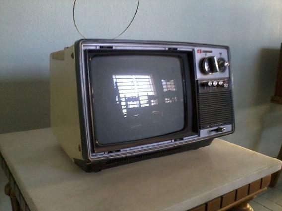 Televisão (tv) Portátil Antiga - Hitachi ! Raridade !!!