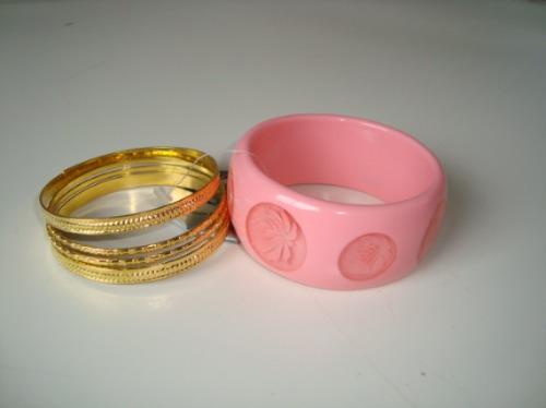 Pulseira Bracelete Em Resina Rosa Flor Rosa Claro