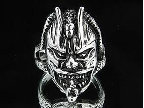 Anel Masculino Crânio Demônio Em Aço Inoxidável - Aro 20