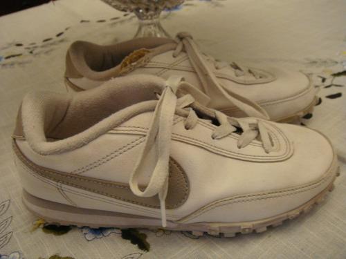Tenis Nike Branco Prata Estilo Chuteira Tam. 35