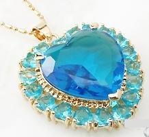 Pingente Banhado A Ouro Com Coração De Cristal 3,5 Cm