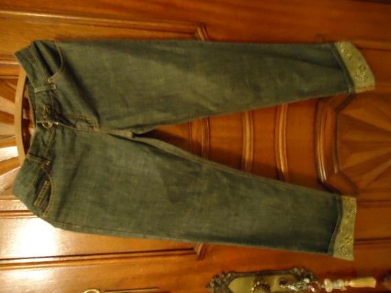 Calça Jeans Da Tvz C/ Bordados Em Pedrarias Na Barra- No 40