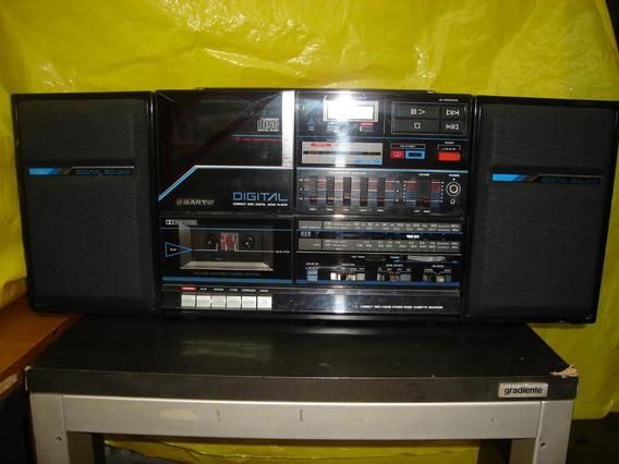 Micro-system Sanyo Mcd-300k - 4 Fxs - Cd - Bivolt - 15 V -