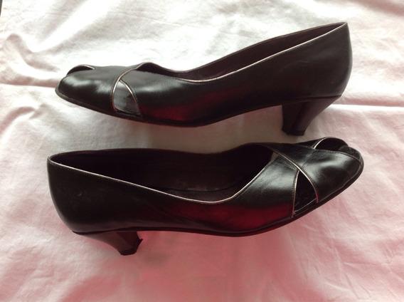 Súper Sale! Sibyl Vane. Zapatos Cuero Negro. Talle 39