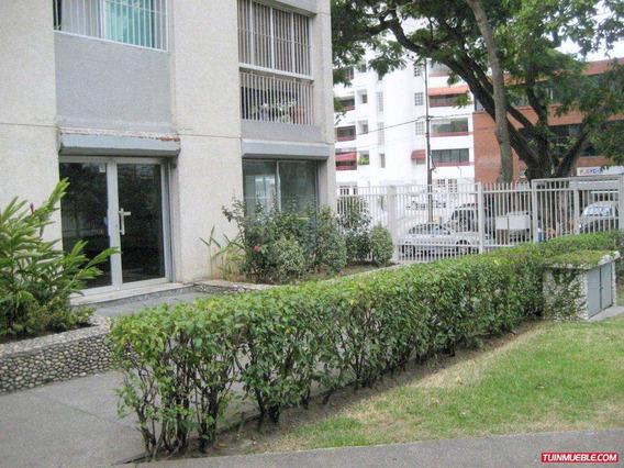 Oficina En Venta Los Palos Grandes, Nivel Calle.