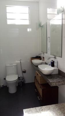 Casa 2 Salas 1 Escritorio 3 Quarto , 2 Suites Cozinha Ampla