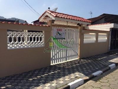 Ótima Casa Em Mongaguá Com 260 M² De Terreno.