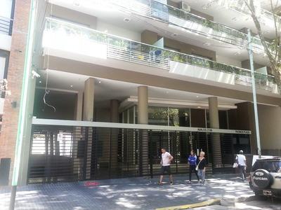 Cochera Fija Cubierta En Villa Urquiza A Estrenar