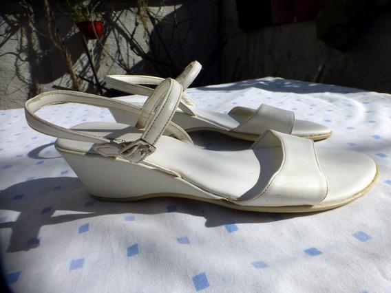 Sandalias Savage Color Blanco Nuero 37