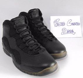 Tênis Nike Air Jordan 10 X Drake Ovo