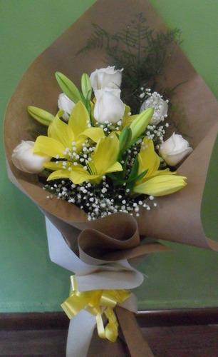 Ramo Mixto De Rosas Y Liliums Amarillos
