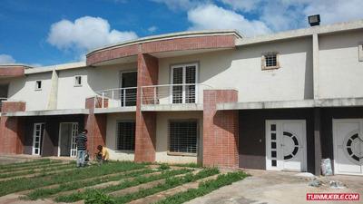 M&r Th Villa Caroni