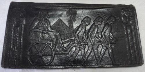 Antigua Billetera De Cuero Con Motivos Egipcios.