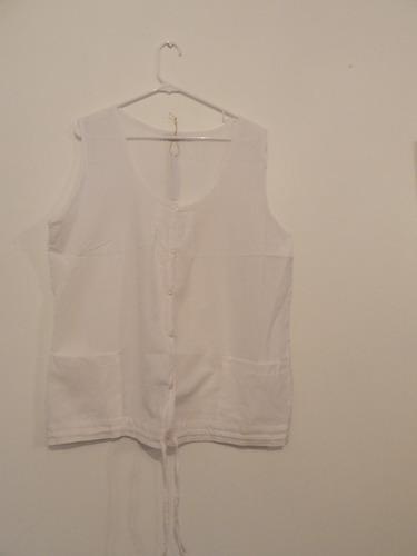 Camisa Clasica Sin Mangas ... Talle 56