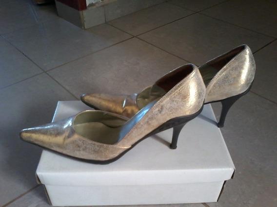 Zapatos Sttiletos Dorados Talle: 39