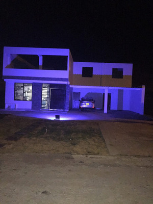 Vendo Casa Grande Con Piscina, Playa, Ganga, Cartagena