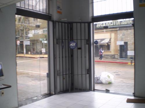 270 Mt2 Vendo Local Comercial Sobre Avda Rivera Esq. Lamas