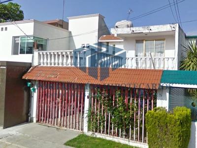 Bonita Casa Con Terraza En La Calle De Cancer