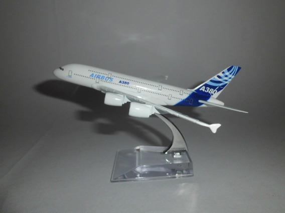 Miniatura Aviao A380airbus Medindo 15x10cm C/pedestal/