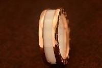 Anel Aliança Bvlg Titânio Cerâmica Branco Folheado Ouro 18k