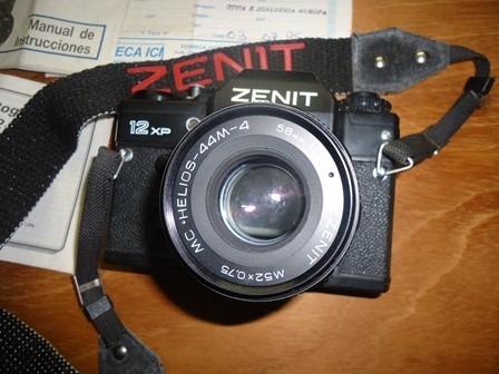 Máquina Fotográfica Zenit Com Os Manuais Originais