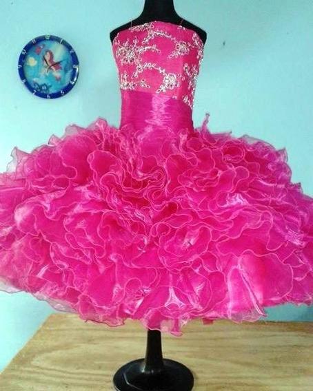 Vestido De Escarolas Para Salida De Sexto Año. Color Fiusha.