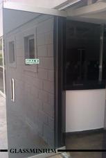 Mantenimiento Reparacion Puertas Locales Oficina Vidrio