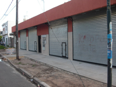Local Comercial Ante Esquina Zona 2 Bancos Y Parada Colectiv