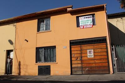 Hermosa Casa A Pasos De Vic. Mackenna / San Joaquin